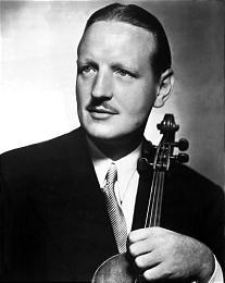 El violista de origen escocés William Primrose